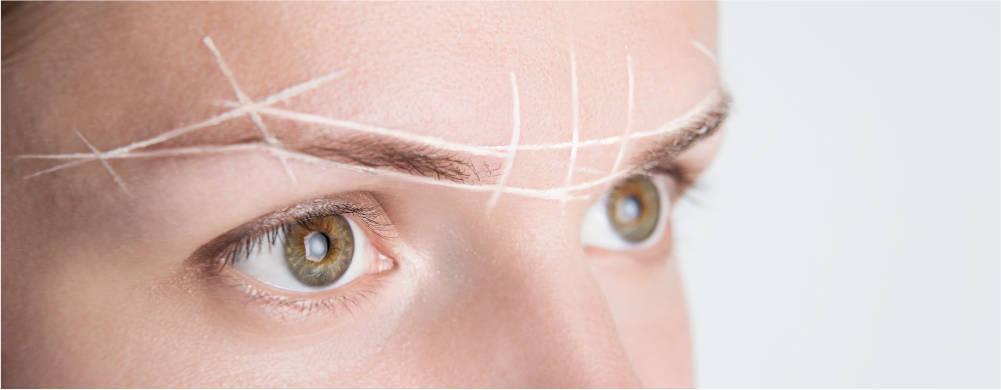 rostro-mujer-preparandose-para-estetica-microblading-en-xativa-centro-pylus